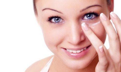 Пилинг для кожи вокруг глаз: виды и обзор 3 средств для ухода